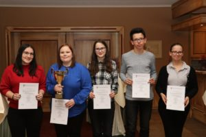 Jugendmannschaft des Bayerischen Stenografenverbandes bei der Siegerehrung